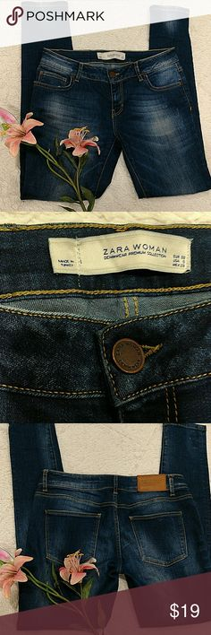 "ZARA WOMEN SKINNY FOR FADED WASH SIZE 6 EXCELLENT CONDITION FADED WASH SKINNY FIT DENIM. INSTALL 29"" Zara Jeans Skinny"