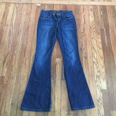 Joes Jeans (size 25) Used Joe Jeans, blue, size 25, worn a handful of times in great condition no rips or stains .. Fit really nicely ! Joe's Jeans Jeans Boot Cut