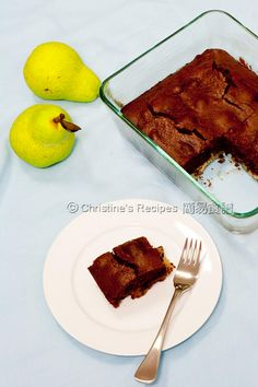Chocolate Pear Pudding (Nigella Lawson's no-fuss recipe) from Christine's Recipes