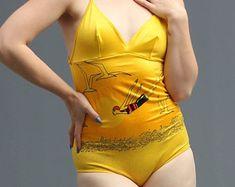 70s geel geregen omhoog terug badpak badpak / / Deco Swan Dive Jantzen geïnspireerd duiker nieuwigheid Print / / Beach Babe zomer Vibes