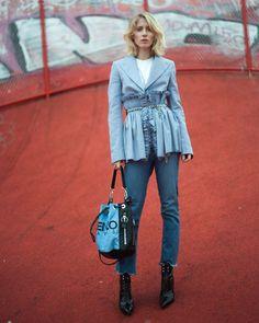 #Lauratønder from #Couturekulten in @ivycopenhagen Johanna Kick flare jeans #ivycopenhagen #iamivy #beivy #jeans #denim #styling #Copenhagen