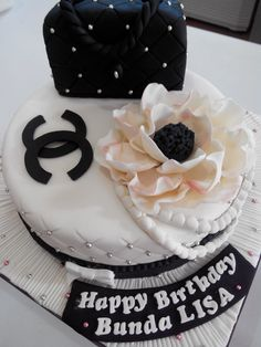 Fondant Cake Decoration Pekanbaru Birday Cake, Cake Decorating With Fondant, Desserts, Decoration, Food, Tailgate Desserts, Decor, Deserts, Essen