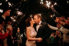 Zimne ognie to super atrakcja i fenomenalny efekt na zdjęciach na ślubie i weselu plenerowym więcej na michalwlodarczyk.pl Concert, Wedding, Valentines Day Weddings, Weddings, Concerts, Mariage, Marriage, Chartreuse Wedding