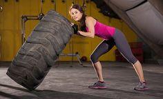 Estamos hablando de un ejercicio funcional de Crossfit; una actividad que está muy de moda en el mundo del fitness y de la que seguro que has oído hablar. ¡Muchas mujeres se decantan por este tipo de entrenamiento!