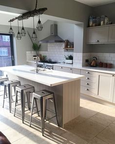 Tips, formulas, and also quick guide in the interest of obtaining the most effective outcome as well as making the optimum perusal of Kitchen Worktop Ideas Kitchen Wall Colors, Kitchen Tiles, Kitchen Decor, White Kitchen Worktop, Cashmere Kitchen, Kitchen Peninsula, Country Kitchen Designs, Home Renovation, Kitchen Remodel