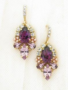 The beautiful combination of Amethyst and Antique Pink has an enchanting and vintage appeal! This dainty design made with crystals and tiny rose gold pearls will certainly add that something special to your wedding day look....