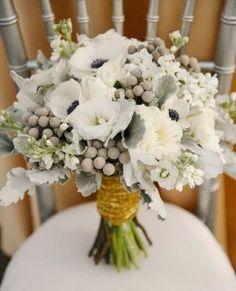 Бруния в свадебном букете