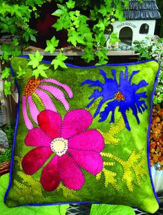 In Full Bloom Wool Applique Throw Pillow - Wool Applique - WoolyLady