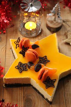 Pour changer de la traditionnelle bûche, cette année, pour le dessert du repas de Noël, j'ai eu envie de tester mon nouveau cadre en forme d'étoile. Pour les saveurs, j'a opté pour une mousse parfumée au jus de clémentine frais posée sur un lit de pain...