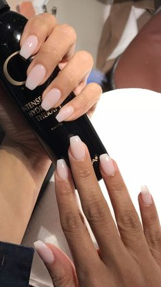 The manicure that lasts longer than gels: Dip Powder Nails - N .- Die Maniküre, die länger hält als Gele: Dip Powder Nails – Nagellack – The manicure that lasts longer than gels: Dip Powder Nails – Nail Polish – - Neutral Nails, Nude Nails, Cuffin Nails, Sns Dip Nails, Bio Gel Nails, Clear Gel Nails, Gel Manicures, Work Nails, Liquid Gel Nails