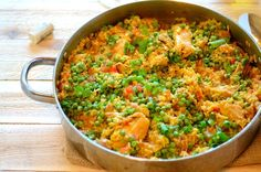 Galinhada is a rice made with chicken, saffron, and vegetables... A complete meal ideal for weekdays or family get-together.
