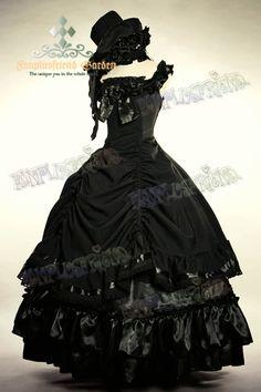 Grande robe de bal noire sans manche gothique aristocrate lolita                                                                                                                                                                                 Plus