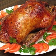 Gänsebraten à la Frl. Jensen von Ingrid_R Goose Recipes, Duck Recipes, German Christmas Food, Christmas Foods, Sant Patrick, Party Buffet, Food And Drink, Easy Meals, Dinner Recipes