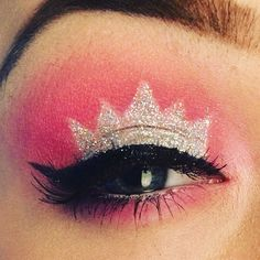 Pink and glitter crown eyeshadow Glitter Makeup, Pink Glitter, Crown Eyeshadow, Eye Makeup, Hair Makeup, Makeup Inspiration, October, Book, Makeup Eyes