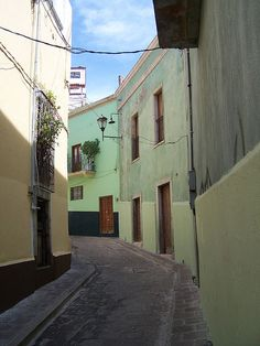 A street in Guanajuato,Mexico... My abuelo was from there. (Mom's father)