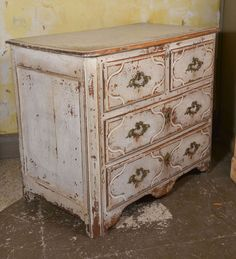 French Parisian Regence Style Commode | From a unique collection of antique and modern commodes and chests of drawers at https://www.1stdibs.com/furniture/storage-case-pieces/commodes-chests-of-drawers/