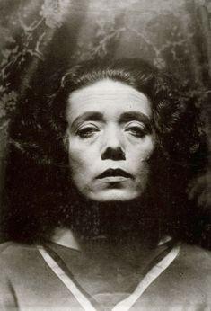 Mary Wigman - Hugo Erfurth (1920)