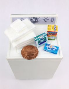 1:12 Scale Dollhouse Miniatures Handmade Laundry Set