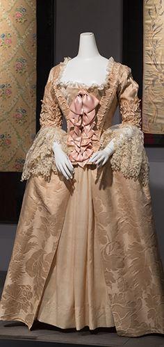 Silk damask Robe à l