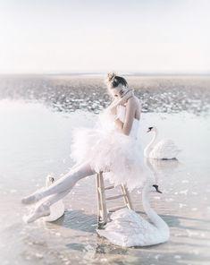 Swan lake ballerina. ✯ Ballet beautie, sur les pointes ! ✯