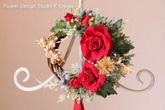 sold-out---Thank You!赤い大きなタッセルとゴールドの天使、 ベルベットローズのクリスマスリースです。 赤いタッセルがとてもエレガントです...|ハンドメイド、手作り、手仕事品の通販・販売・購入ならCreema。