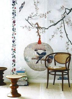paint 籠 bird 二羽
