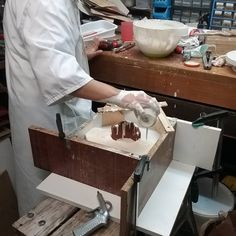 «Pouring plaster for the second part of my mould»   angrypixie.co