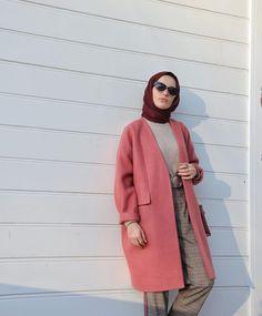 1,776 vind-ik-leuks, 4 reacties - elif küçüksarı (@elifkcksri) op Instagram: 'Pembenin bu mükemmel tasarımla birleşimi @hulyaince #buyeniliksensizolmaz'