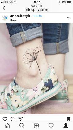 shoulder tattoo for women - Women # # # for shoulder tattoo - flower tattoos - Tattoo MAG Small Geometric Tattoo, Geometric Tattoos Men, Geometric Tattoo Design, Geometric Lines, Geometric Animal, Geometric Sleeve, Tribal Tattoos, Mens Shoulder Tattoo, Shoulder Tattoos For Women
