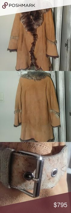 Rizal Shearling Coat Awesome Rizal shearling coat with two front pockets. Two buttons for closure. Size 40 Condition good Rizal Jackets & Coats