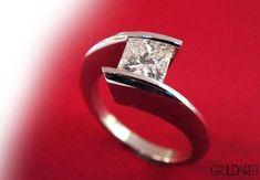 princess-cut Diamond and Platinum ring