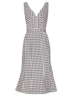 online shopping for Alexander McQueen V-Neck Houndstooth Silk Dress MULTI from top store. See new offer for Alexander McQueen V-Neck Houndstooth Silk Dress MULTI White Denim Dress, Denim Midi Dress, Silk Dress, Royal Clothing, Houndstooth Dress, Work Fashion, Fashion Ideas, Sheath Dress, Plus Size Fashion