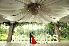 Mr-and-Mrs by Nice Print Photography - a TWIPP Platinum Member & Major Sponsor of Wedding Expo Philippines - September 2015 See details: http://themesnmotifs.net/s/niceprintphotography