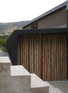 Entre Muros House / al bordE #wood #concrete
