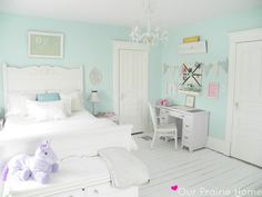 Prairie Home Relaxing children's room via House of Turquoise.Relaxing children's room via House of Turquoise. Room Inspiration, Mint Green Bedroom, White Washed Floors, Bedroom Green, Shabby Chic Bedrooms, Mint Bedroom, Bedroom Design, Mint Girls Room, Girls Bedroom Furniture