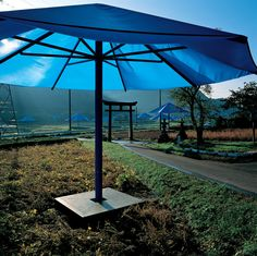 The Umbrellas, Japan-USA, 1984-91 Christo