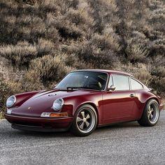 Car Porn: Customized Oxblood Porsche 911 Singer Vehicle Design in Burgundy. We love the trend color! Singer Porsche, Porsche 356, Singer 911, Porche 911, Porsche Cars, Porsche 2017, Porsche Carrera, Porsche Classic, Classic Cars