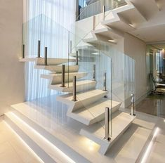 Elegant Glass Stairs Design Ideas For You This Year - Architecture - Escadas Glass Stairs Design, Home Stairs Design, Interior Stairs, Modern House Design, Modern Stairs Design, Staircase Glass, Floating Staircase, Glass Railing, Railing Design