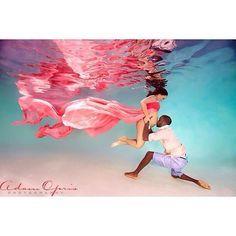 underwater maternity shoot