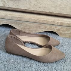 Forever 21 nude/blush flats Brand new, only tried on. Forever 21 Shoes Flats & Loafers