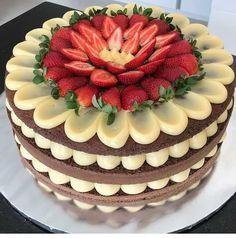 moist mug cake Cake Decorating Videos, Cake Decorating Techniques, Fancy Desserts, Fancy Cakes, Food Cakes, Cupcake Cakes, Cake Recipes, Dessert Recipes, Pumpkin Dessert