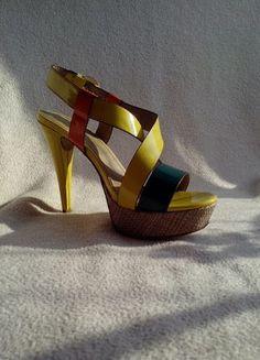Kupuj mé předměty na #vinted http://www.vinted.cz/damske-boty/sandaly/6634505-vicebarevne-letni-sandalky-na-podpatku