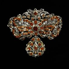 1680-1700, the Netherlands (possibly) - Bodice ornament - Rose-cut diamonds and hessonite garnets set in gold and silver