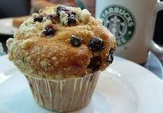 starbucks blueberry muffins never fail. Comida Do Starbucks, Starbucks Recipes, Starbucks Coffee, Muffin Recipes, Cake Recipes, Dessert Recipes, Food Cakes, Starbucks Blueberry Muffin Recipe, Chocolate Muffins