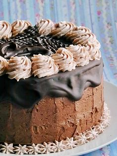 Tort cu ciocolata si migdale Something Sweet, Yummy Cakes, Birthday Cakes, Food Art, Chocolate Cake, Cookie Recipes, Caramel, Deserts, Sweets