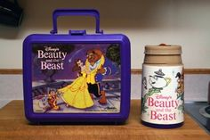 I had all kinds of different lunch boxes like these, loved them