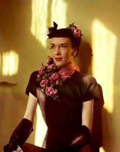 Extraordinary Color Fashion Photography Taken During the 1940s by John Rawlings