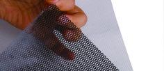 Conheça 4 razões para decorar a sua montra com Vinil micro-perfurado  #adesivodevinil #adesivoparede #adesivoperfurado #adesivovinil #adesivosdecorativos #adesivosparacarrospersonalizados #adesivosparaparede #adesivospersonalizados #montras #papeladesivoparamoveis #papelvinil #Películasparavidros #Perfuração #vinil #viniladesivo #vinildecorativo #vinilmicro-perfurado #vitrines