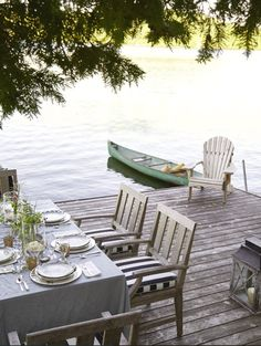 Dockside dining is so luxurious and relaxing!