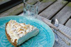 Key lime pie, frusen och toppad med maräng